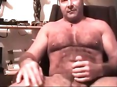 Mature dad jerking on Webcam More on GayCamz.xyz